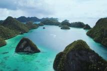 Scenery from Puncak Wayag